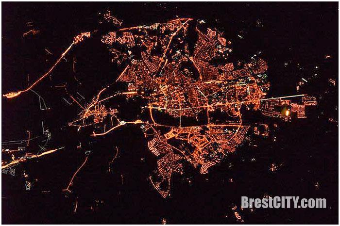 Ночной Брест из космоса.
