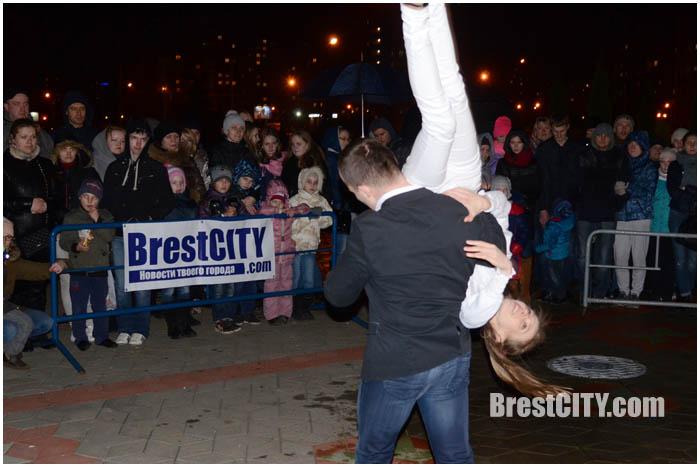 Час Земли в Бресте на Гребном. Фото BrestCITY.com