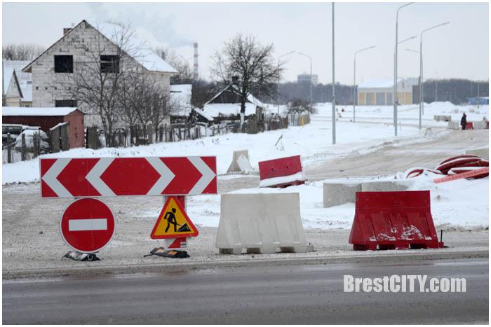Закрыт выезд с ул.Луцкой на улицу Суворова в Бресте. Фото BrestCITY.com