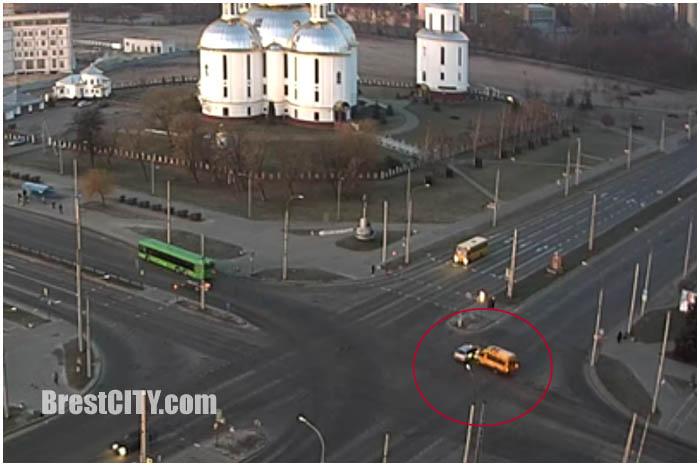 Авария с участием маршрутки в Бресте 17 марта 2017