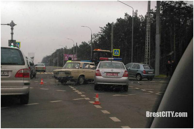 Авария возле облбольницы в Бресте