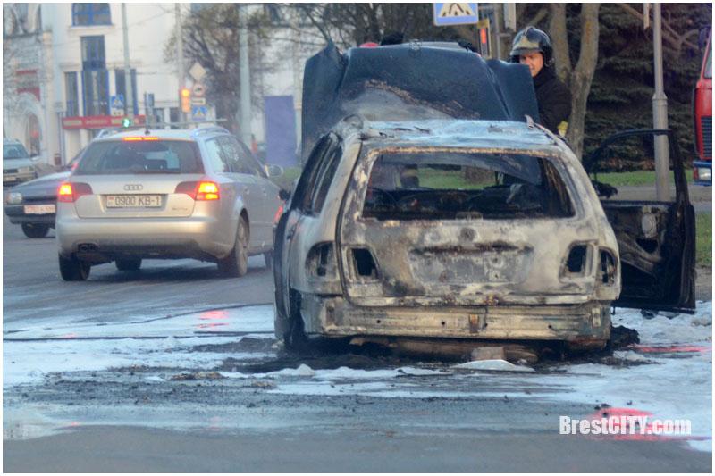 В Бресте сгорел польский мерседес