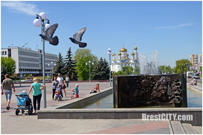 Фонтан возле ДК Профсоюзов пострадал от вандалов