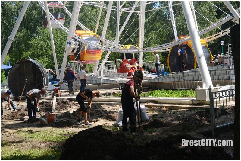 Тестирование колеса обозрения в Бресте. Фото BrestCITY.com