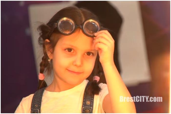 Пятилетняя Дарья Скоморощенко из Бреста. Шоу Рассмеши комика