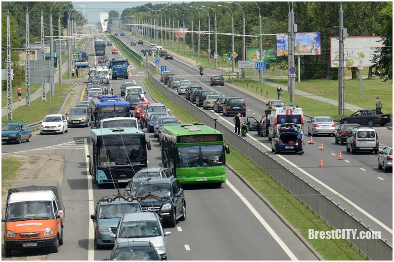 Дорожные работы на перекрестке Стафеева-Московская