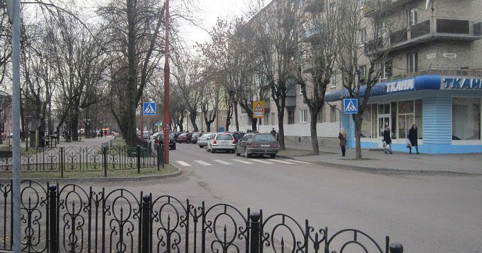 Водитель такси сбил мужчину на ул.Гоголя