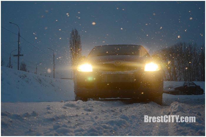 Снег. Автомобиль