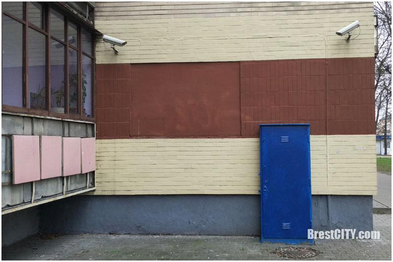 Самая охраняемая стена дома