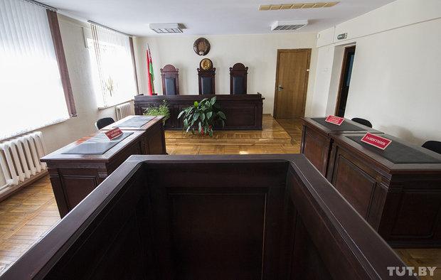 Судят помощника прокурора за хранение и сбыт спайса
