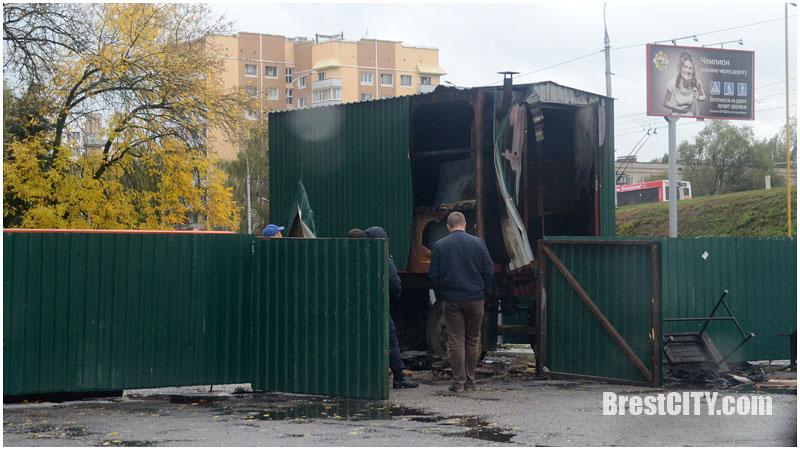 Сгорел вагончик для рабочих