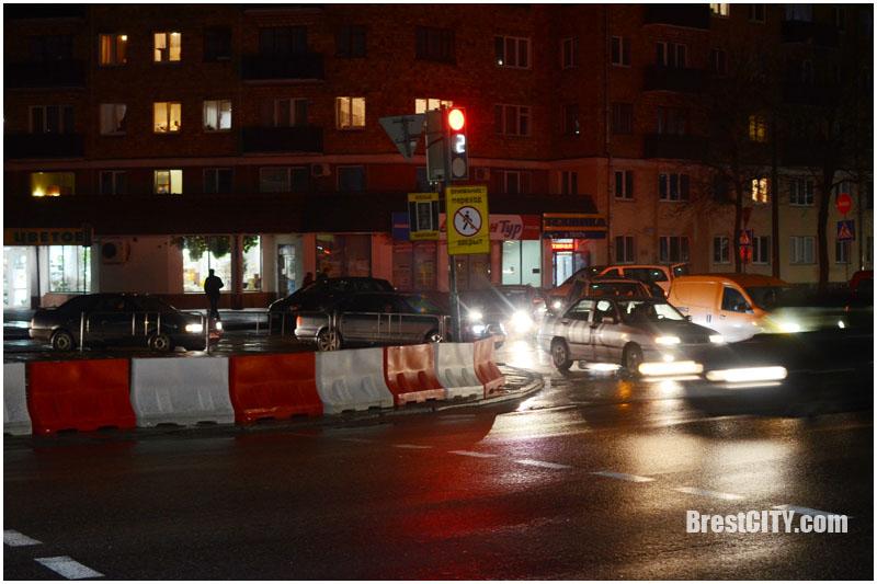 Закрыто движение по Кобринскому мосту