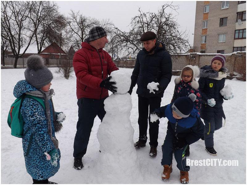 День снега в 16 школе Бреста