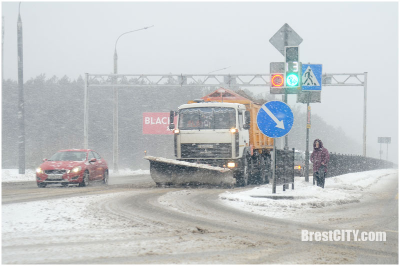 Снег на дорогах Брестчины