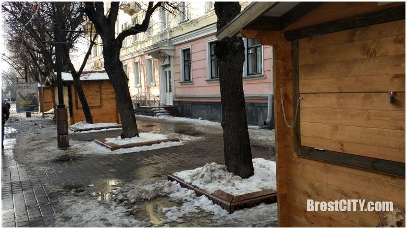 Закончилась ярмарка на Пушкинской