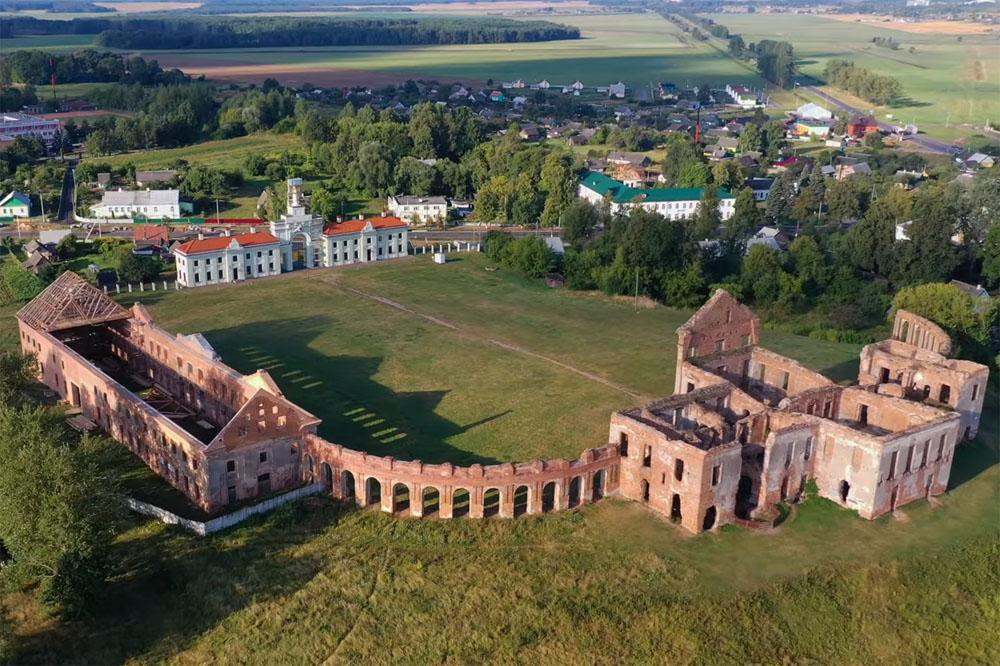 Замок в Ружанах