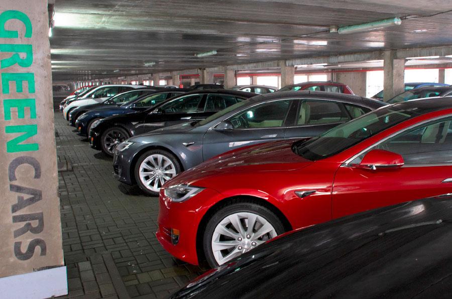 покупка автомобиля из США в салоне